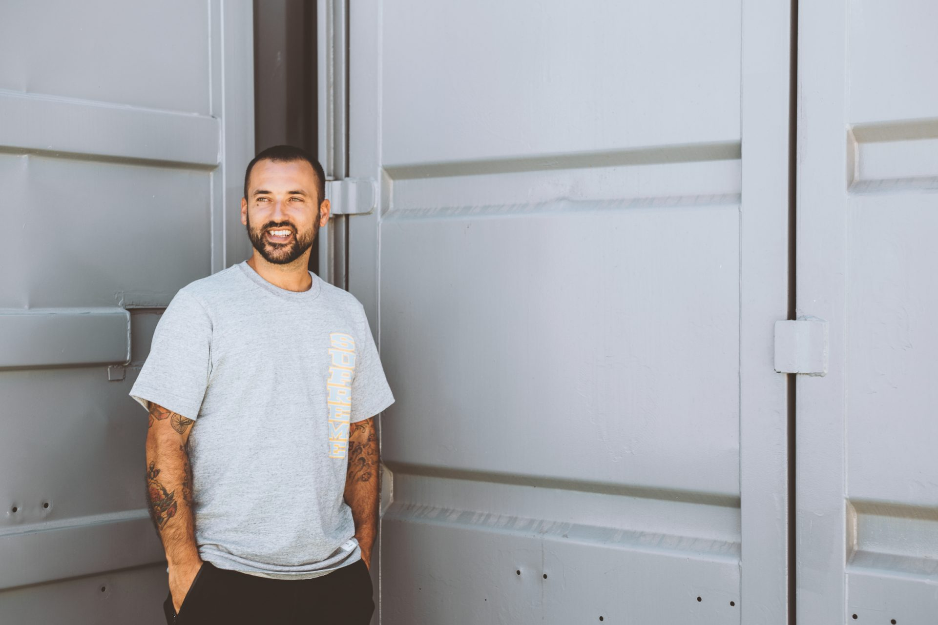 DJ Glue está preparado para tomar conta de 2018 e reforçar ainda mais o seu estatuto de intocável no hip hop nacional. Vai estar no Lisboa Dance Festival.