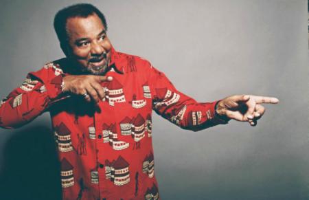 Bonga reedita em vinil os dois primeiros álbuns da carreira